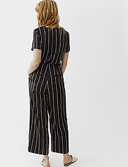 Twist & Tango - Brenda Trousers - wide leg trousers - black stripe - 3