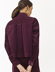 Twist & Tango - Angela Cord Jacket - vestes legères - deep purple - 4