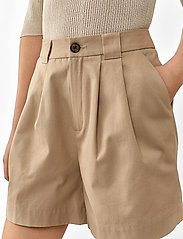 Twist & Tango - Neah Shorts - casual shorts - beige - 3