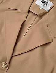 Twist & Tango - Eve Trenchcoat - trenchs - dark beige - 5