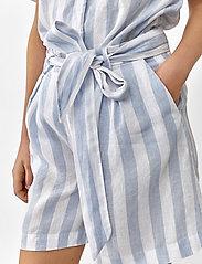 Twist & Tango - Brooke Shorts - casual shorts - blue/white - 4