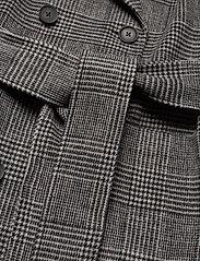 Twist & Tango - Loretta Coat - wełniane płaszcze - graphic check - 5