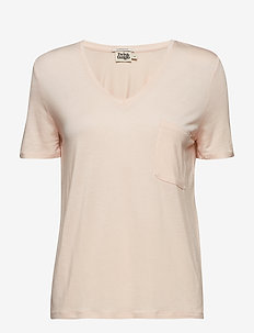Iris Pocket Tee - BLUSH