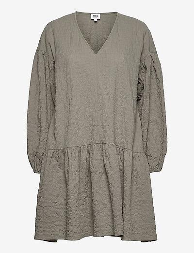 Mira Dress - sommerkjoler - dusk khaki
