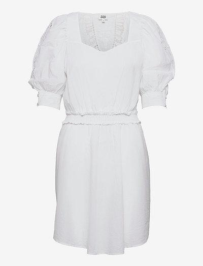 Zoisa Dress - sommerkjoler - whispy white