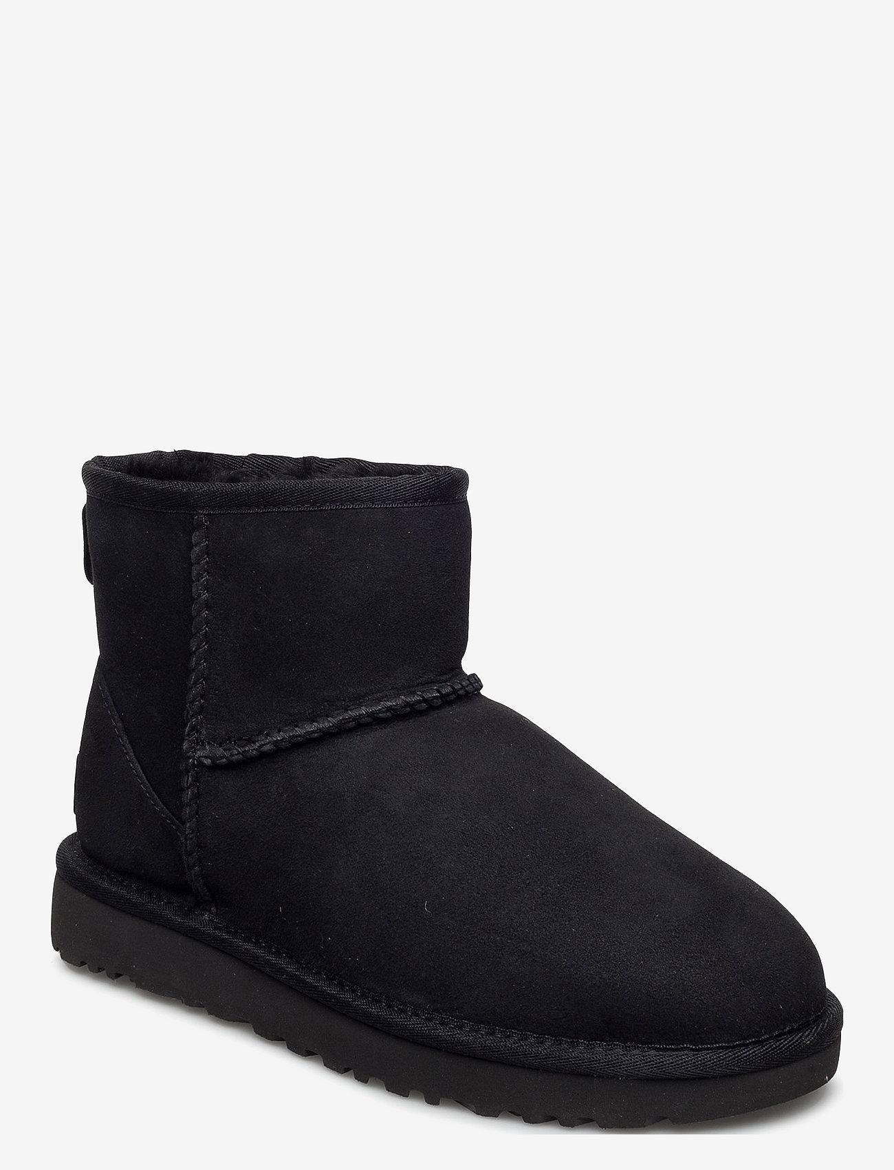 UGG - W Classic Mini II - flat ankle boots - black - 0