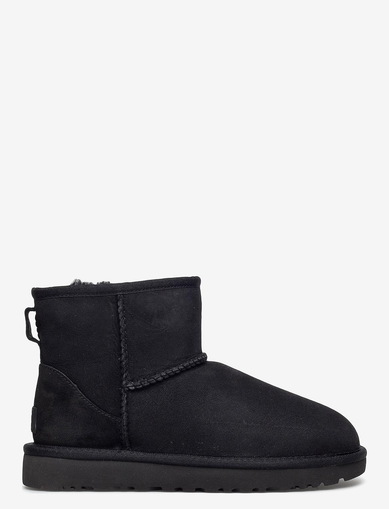 UGG - W Classic Mini II - flat ankle boots - black - 1
