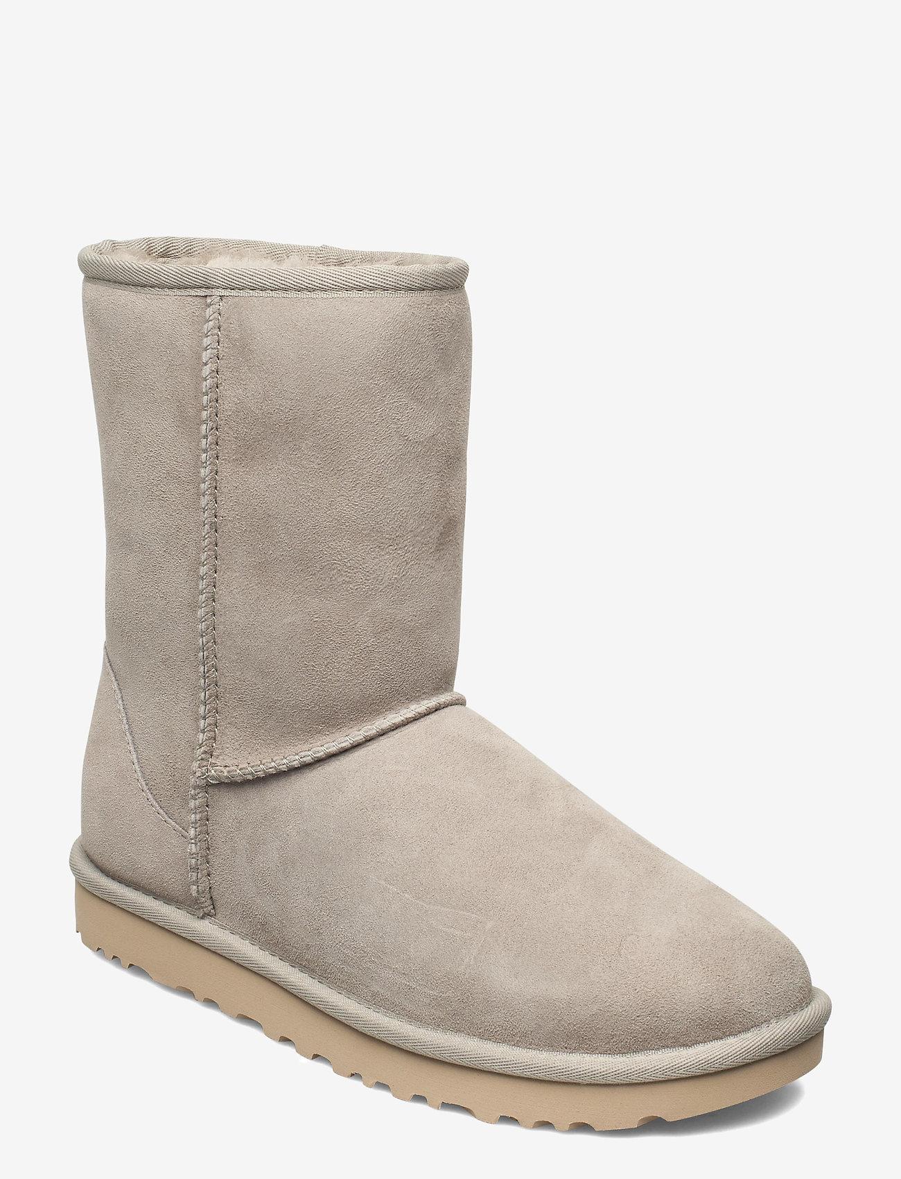 UGG - W Classic Short II - flat ankle boots - goat - 0