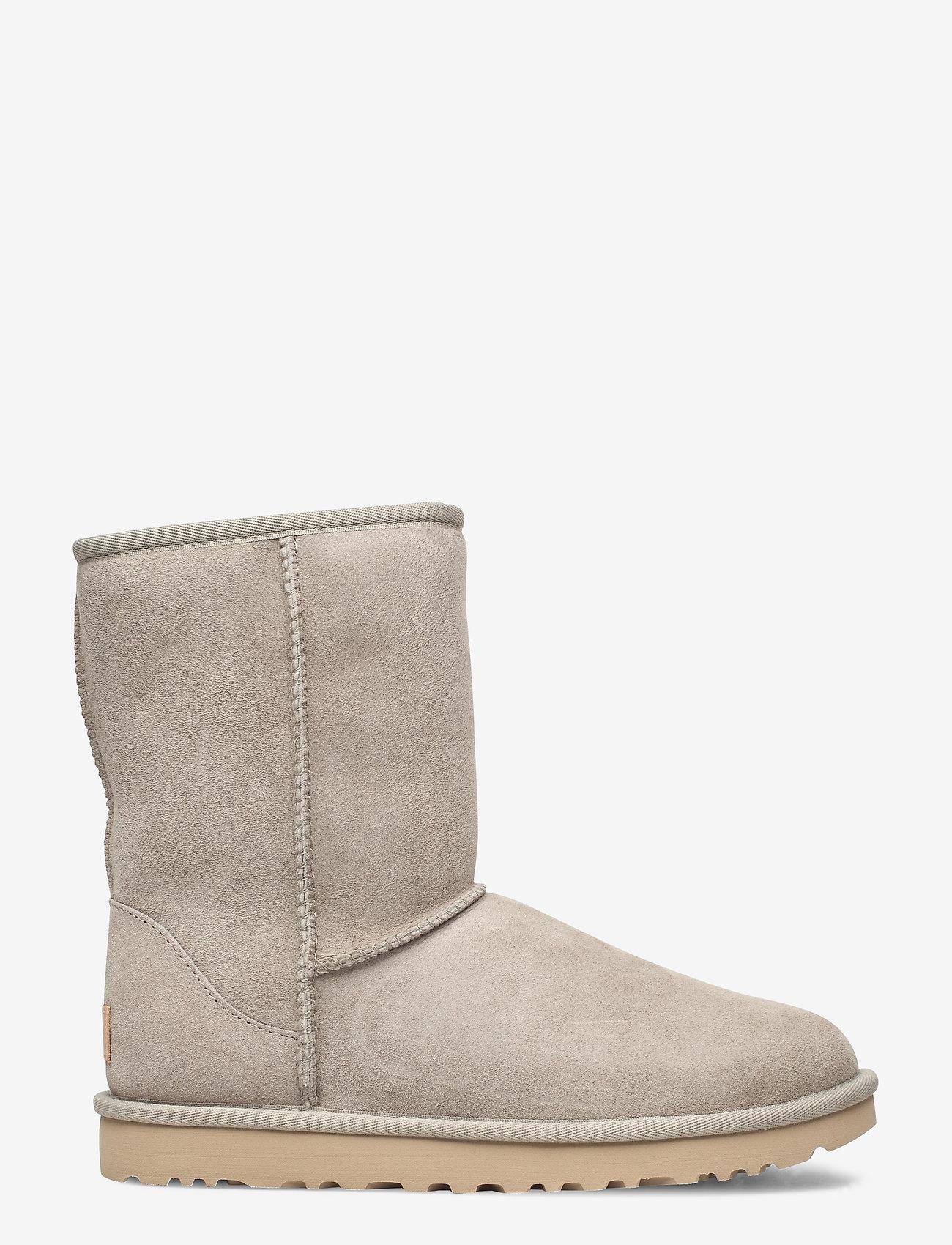 UGG - W Classic Short II - flat ankle boots - goat - 1