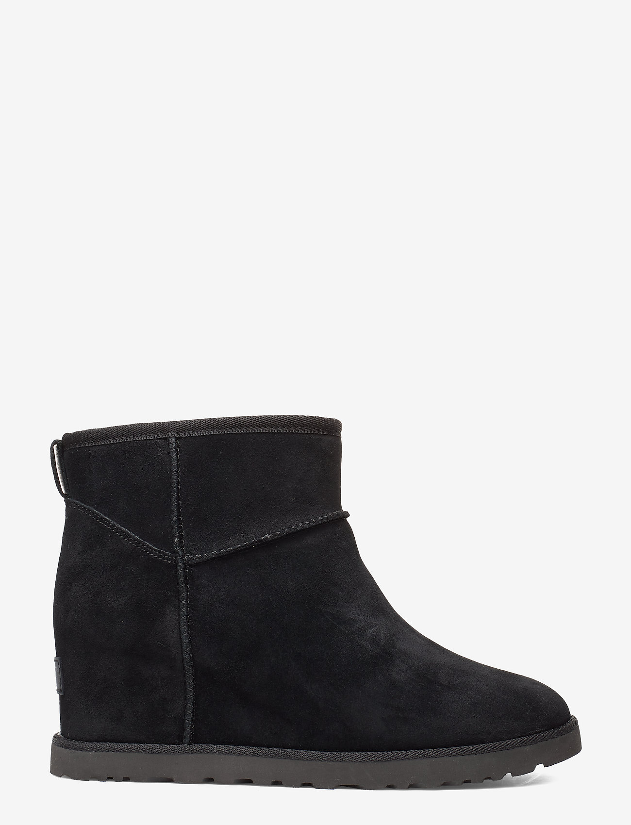 UGG - W Classic Femme Mini - flat ankle boots - black - 1