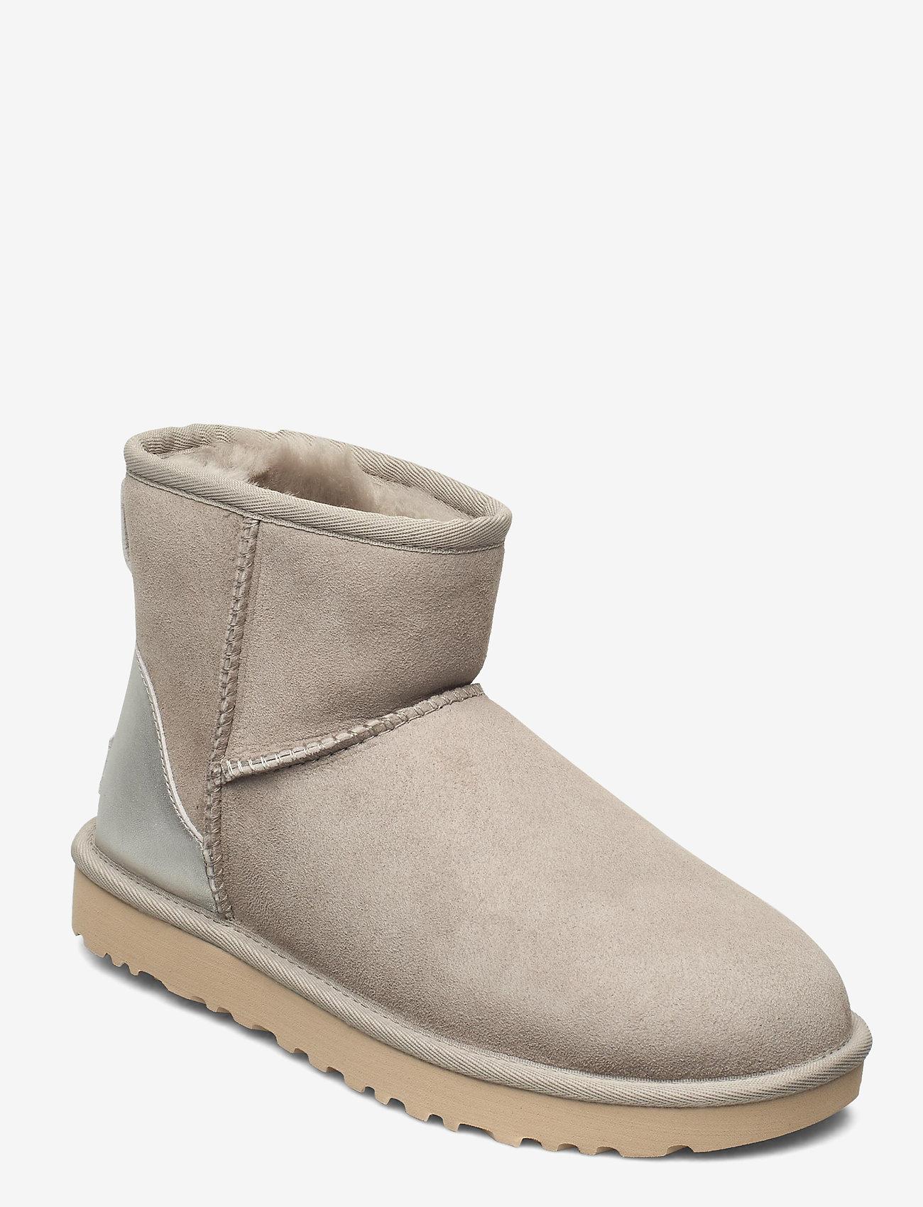 UGG - W ClassicMini II Met - flat ankle boots - goat - 0