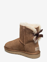 UGG - W Mini Bailey Bow II - flat ankle boots - chestnut - 2