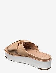 UGG - W Joanie - platte sandalen - bronzer - 2