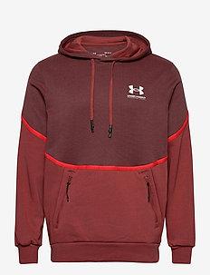 UA Rival Fleece AMP HD - podstawowe bluzy - cinna red