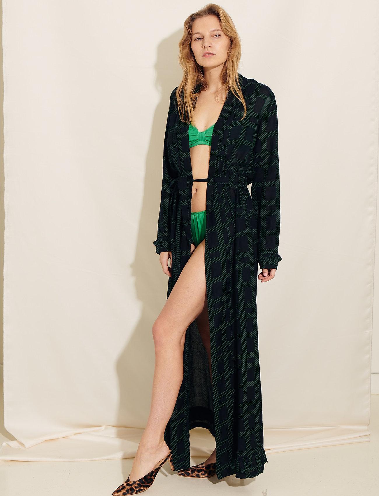 Underprotection - Terry robe - bathrobes - black - 0
