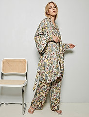 Underprotection - Rania kimono - pegnoirs - purple - 0