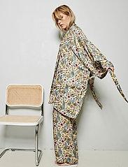 Underprotection - Rania kimono - pegnoirs - purple - 3