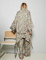 Underprotection - Rania kimono - pegnoirs - purple - 4