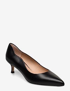 IDONE_NA - classic pumps - black