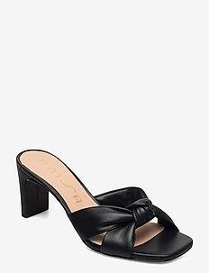 MASHA_NS - højhælede sandaler - black