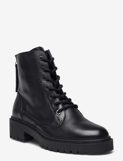 GISPER_F21_NF - flade ankelstøvler - black