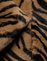 UNMADE Copenhagen - Jennabel jacket - sztuczne futro - tiger - 3