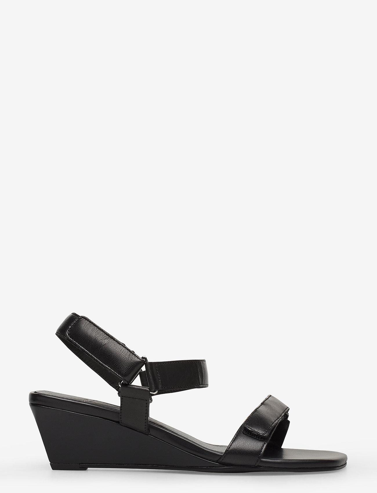 Vagabond NELLIE - Sandaletter med kilklack - black