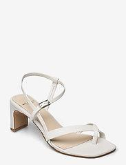 VAGABOND - LUISA - sandały na obcasie - white - 0