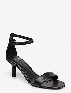 AMANDA - korolliset sandaalit - black