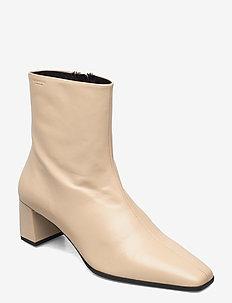TESSA - ankelstøvler med hæl - toffee