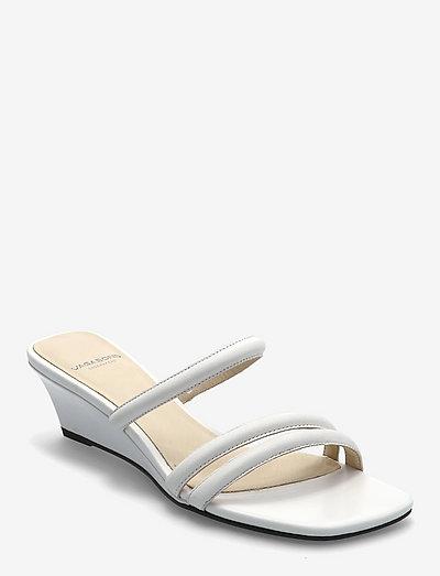 NELLIE - sandały na obcasie - white