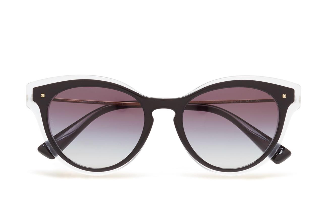 7d198f2fc2fbba Boozt   Dames   Accessoires   Zonnebrillen   Wayfarer. Valentino Sunglasses  Not Defined