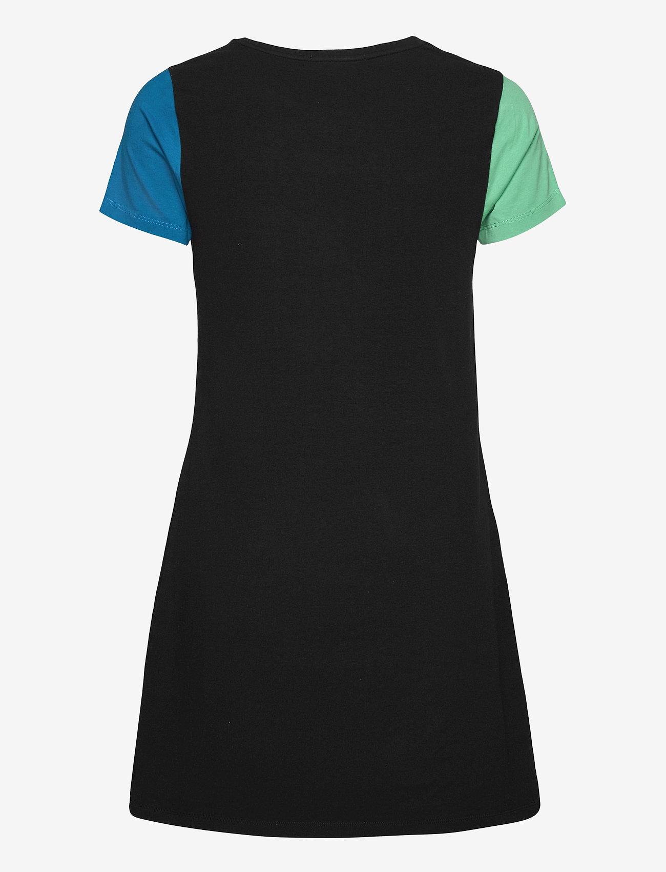 VANS - RAMP TESTED DRESS - tshirt jurken - black - 1