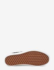 VANS - UA Classic Slip-On Platform - chunky sneakers - black - 4