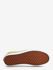 VANS - UA Old Skool - laag sneakers - cyber yellow/true white - 4