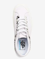 VANS - Shoe Adult Unisex Numeric Wid - laag sneakers - (pony) true white/pony - 3