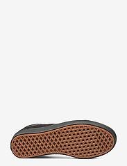 VANS - UA ComfyCush Old Skool - laag sneakers - (classic) black/black - 4