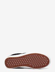 VANS - UA ComfyCush Slip-On - slip-on schoenen - (classic) black/true whit - 4