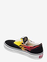 VANS - UA Era - laag sneakers - (flame) black/true white - 2