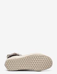 VANS - UA SK8-Hi MTE - hoge sneakers - (croc mte)oatmeal/oatmeal - 4