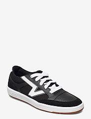 VANS - UA Lowland CC - laag sneakers - (staple) black/true white - 0