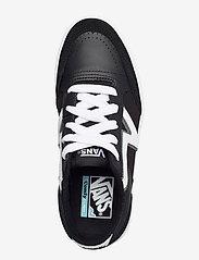 VANS - UA Lowland CC - laag sneakers - (staple) black/true white - 3