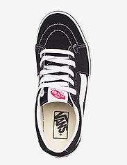 VANS - UA SK8-Low - laag sneakers - black/true white - 3
