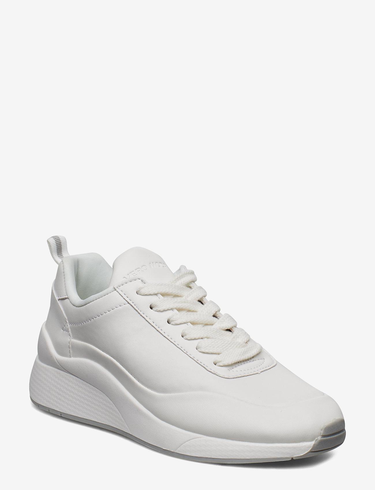 Vero Moda - VMALMA SNEAKER - låga sneakers - snow white - 0
