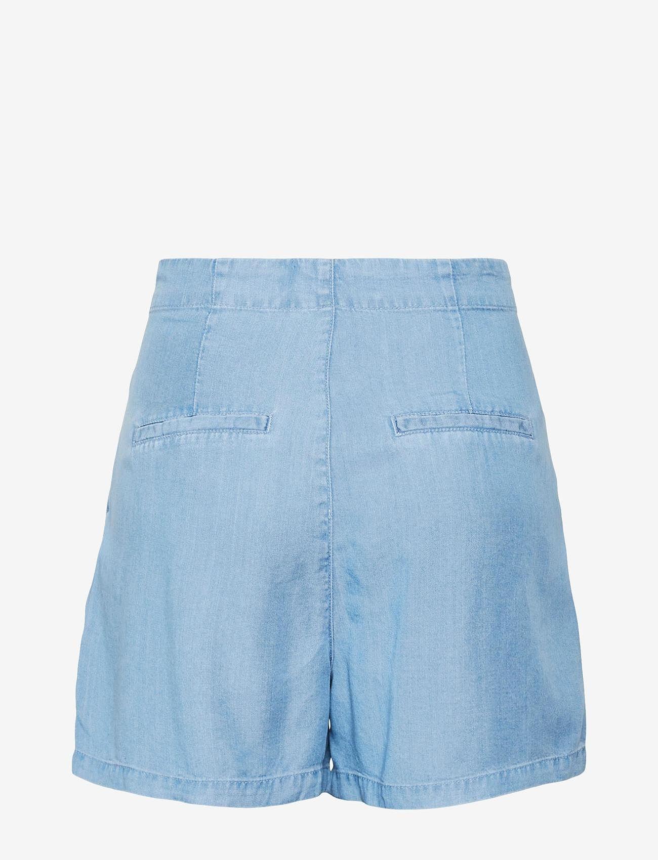 Vero Moda - VMMIA HR LOOSE SUMMER SHORTS GA - jeansshorts - light blue denim - 1