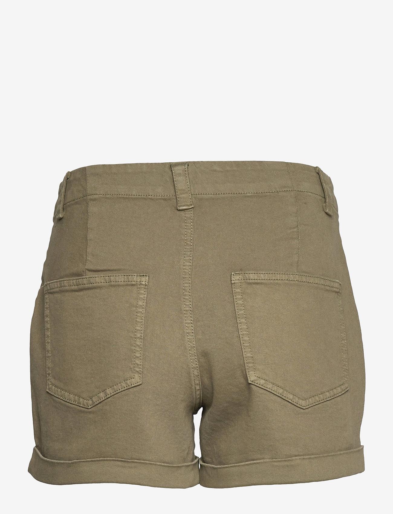 Vero Moda - VMBARB MR UTILITY SHORTS GA COLOR - jeansshorts - ivy green - 1
