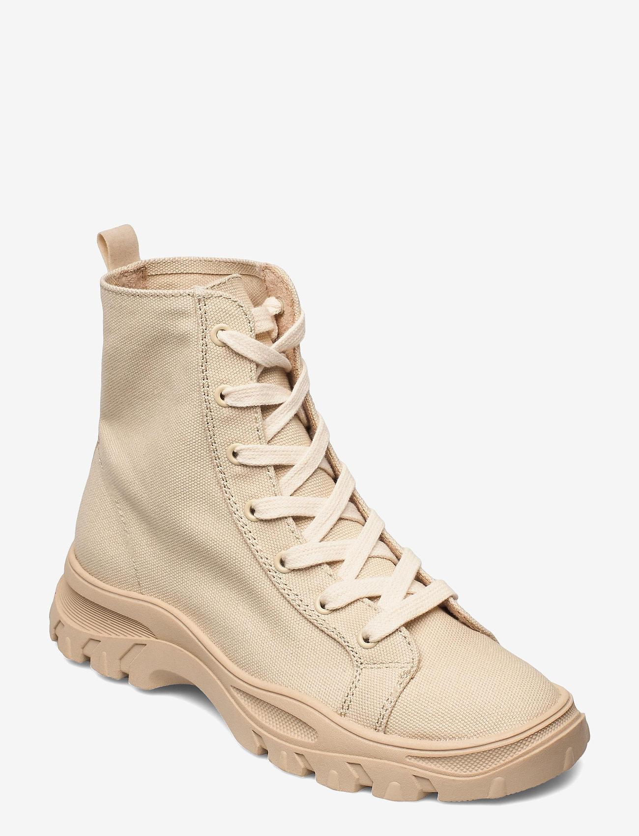 Vero Moda - VMMALIA HIGHTOP SNEAKER - chunky sneakers - silver mink - 0