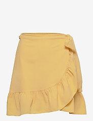 Vero Moda - VMCITA BOBBLE WRAP SKIRT COLOR - korta kjolar - cornsilk - 0