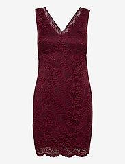 Vero Moda - VMJANNE SL SHORT LACE DRESS JRS BOO - fodralklänningar - cabernet - 0