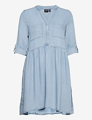Vero Moda - VMLIBBIE 3/4 LOOSE TUNIC GA COLOR - vardagsklänningar - light blue denim - 2
